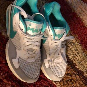 Nike Shoes - Air Max ST